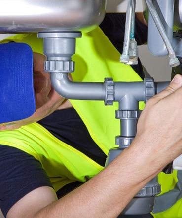 Technicien spécialiste en plomberie à Montréal